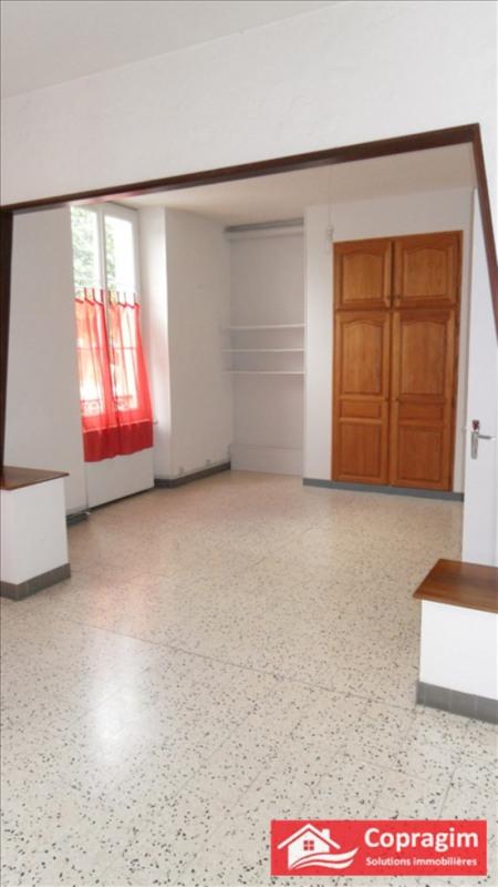 Rental apartment Montereau fault yonne 725€ CC - Picture 2