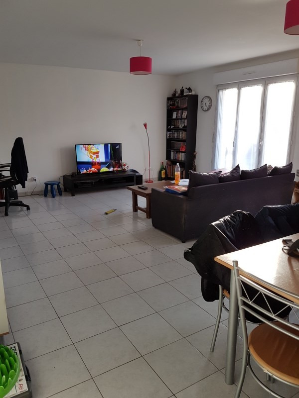 Rental apartment Milly la foret 837€ CC - Picture 1