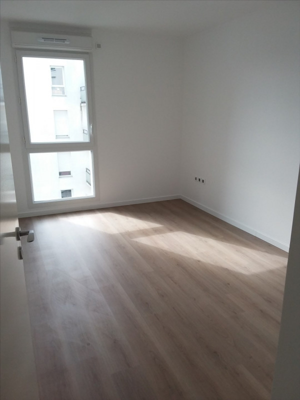 Rental apartment Cergy le haut 951€ CC - Picture 4