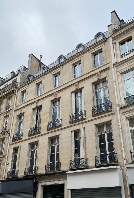 Rental apartment Paris 3ème 1757€ CC - Picture 2