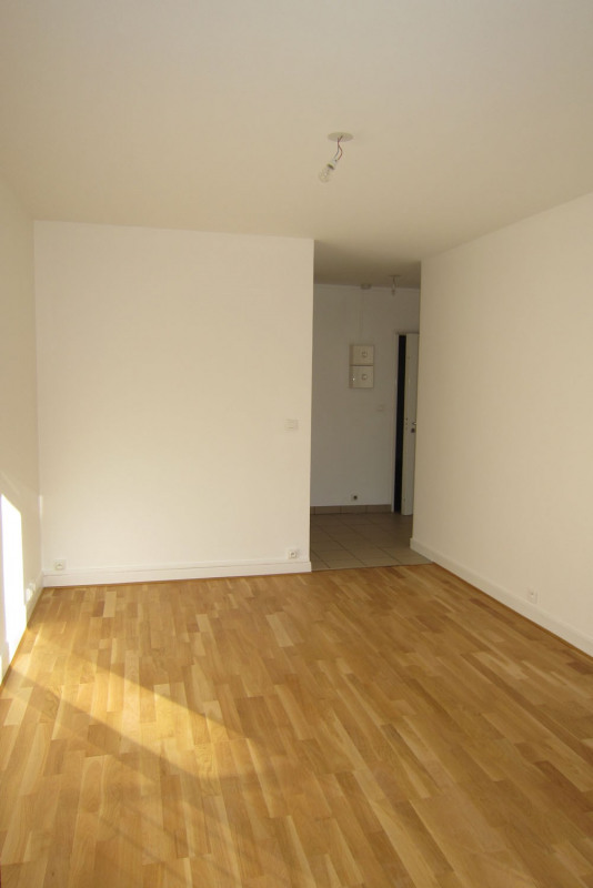 Rental apartment Rueil-malmaison 817€ CC - Picture 4