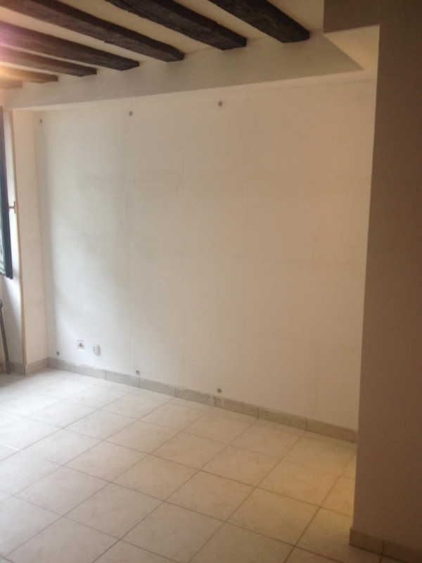 Rental apartment Montlhéry 400€ CC - Picture 1