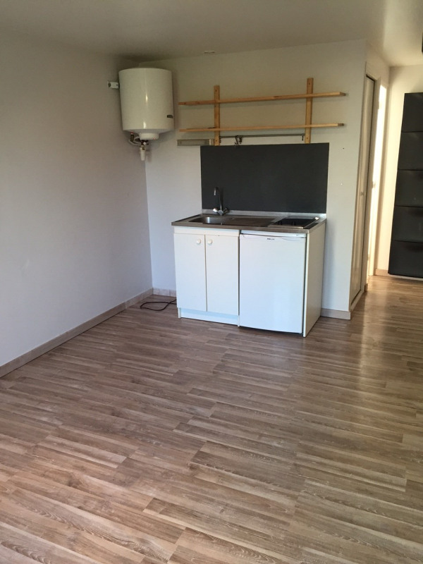 Rental apartment Villejuif 516€ CC - Picture 1