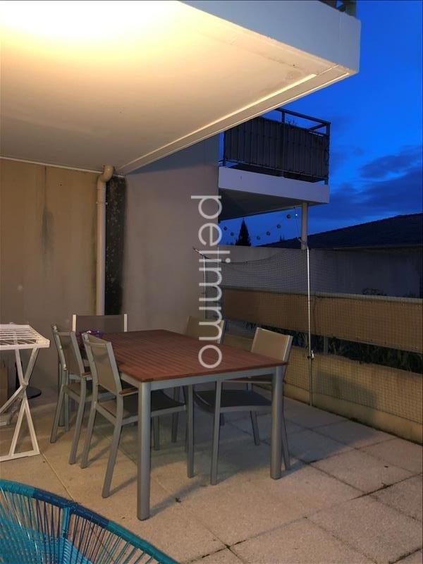 Rental apartment Salon de provence 663€ CC - Picture 2