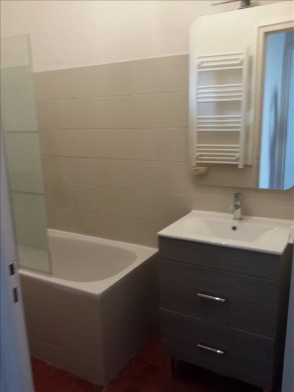 Location appartement Salon de provence 554€ CC - Photo 3