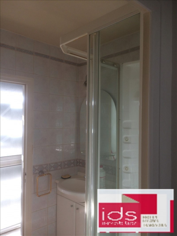 Investment property apartment St egreve 107000€ - Picture 5