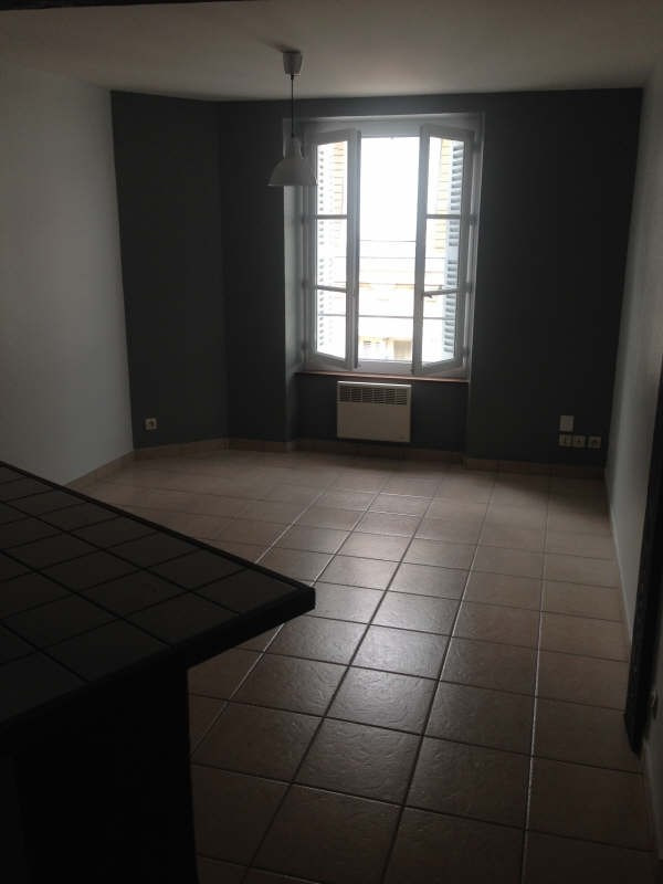 Rental apartment Poitiers 565€ CC - Picture 2