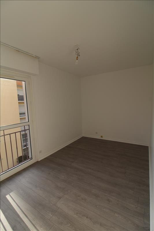 Rental apartment Maurepas 780€ CC - Picture 3