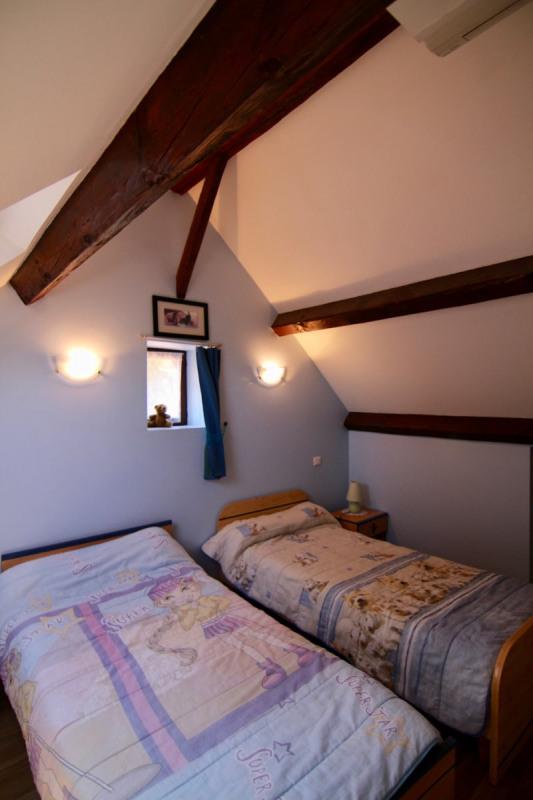 Sale house / villa Meyrals 380000€ - Picture 4