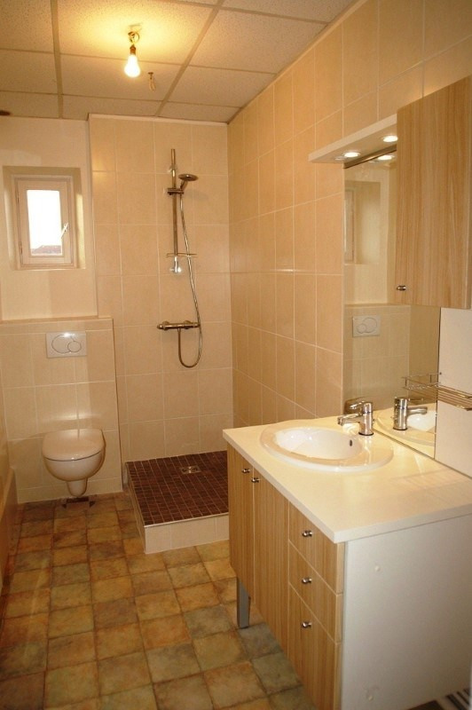 Rental apartment Bourgoin jallieu 470€ CC - Picture 2