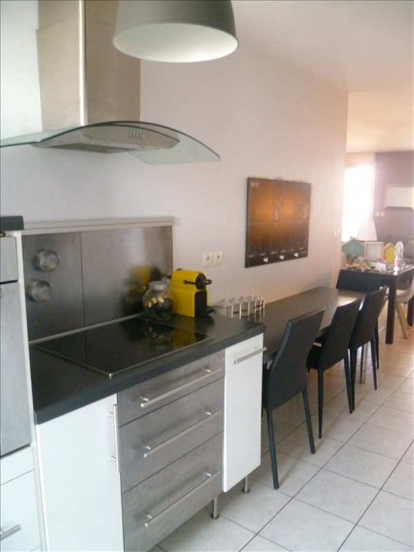 Sale apartment Marseille 8ème 349 000€ - Picture 2