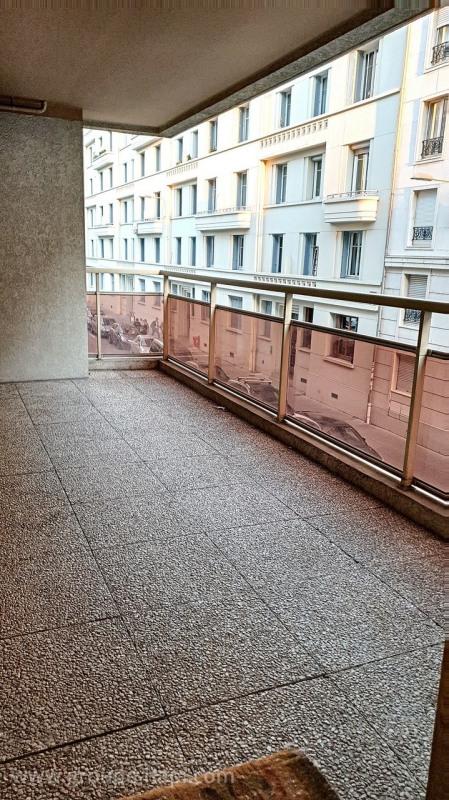 Deluxe sale apartment Lyon 6ème 940000€ - Picture 4
