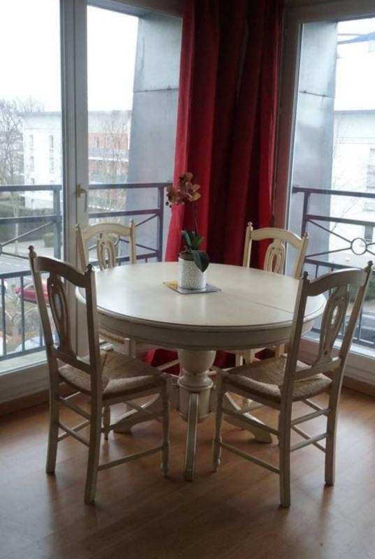 Rental apartment Sainte-geneviève-des-bois 860€ CC - Picture 2