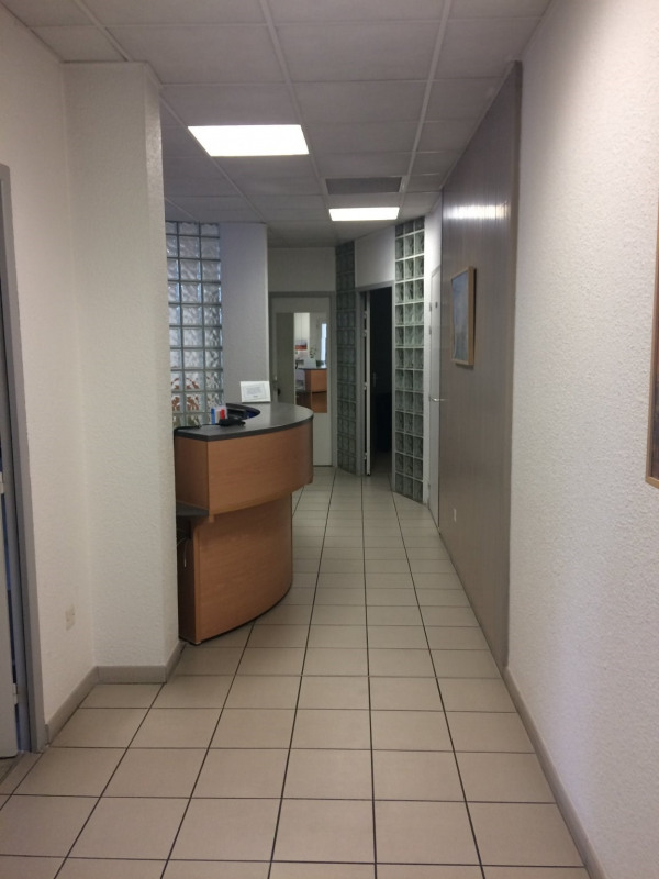 A louer cabinet 7 pièces comprenant une salle d'attente, un