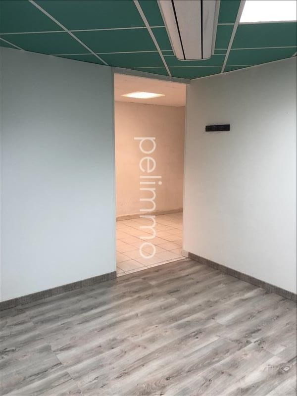 Location local commercial Eyguieres 620€ HT/HC - Photo 1