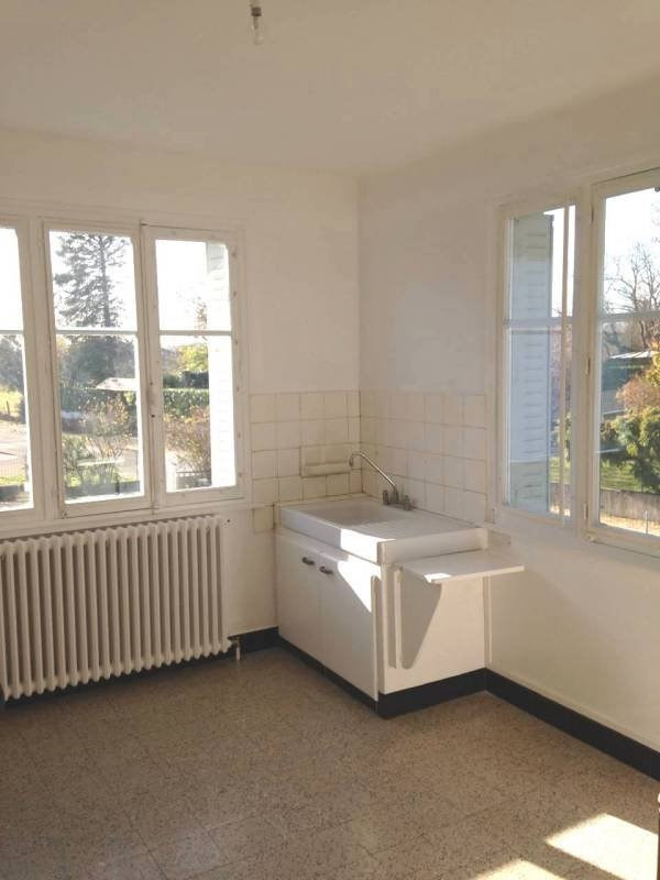 Location appartement Attignat 600€ CC - Photo 2