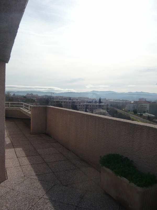 Rental apartment Aix en provence 684€ CC - Picture 2