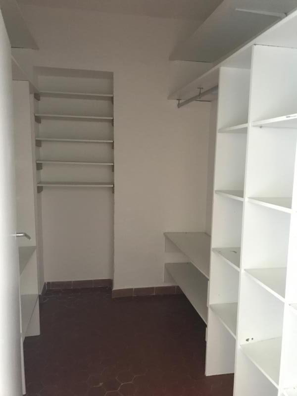 Rental apartment Lambesc 740€ CC - Picture 8