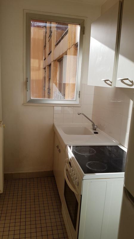 Location appartement Paris 19ème 784€ CC - Photo 7