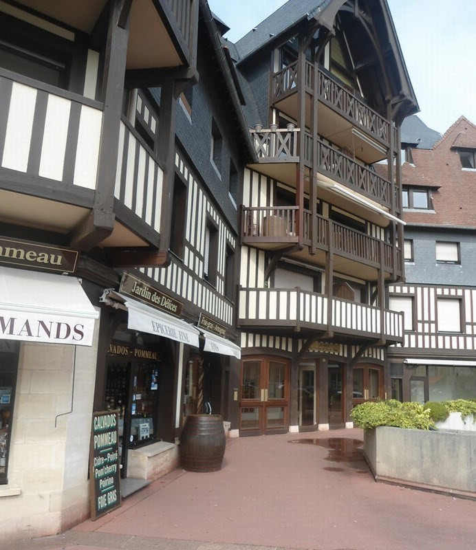 Vendita licenza commerciale negozzio Deauville 196100€ - Fotografia 3