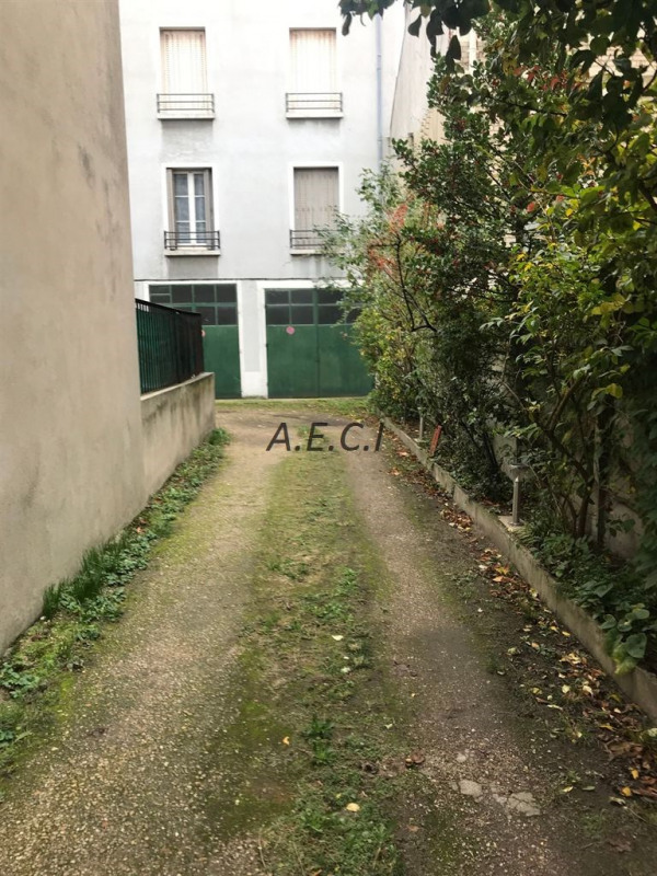 Sale empty room/storage Asnieres sur seine 120000€ - Picture 1