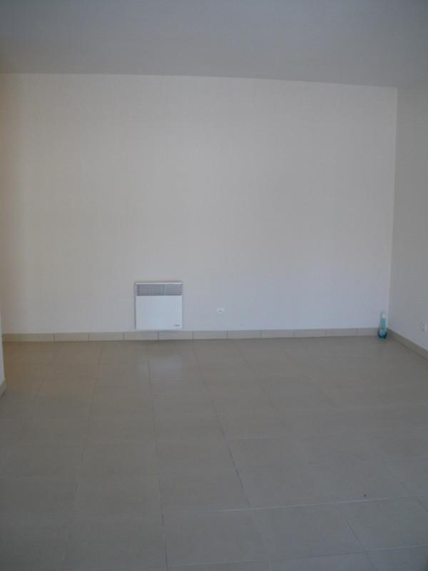 Rental apartment Fréjus 780€ CC - Picture 2