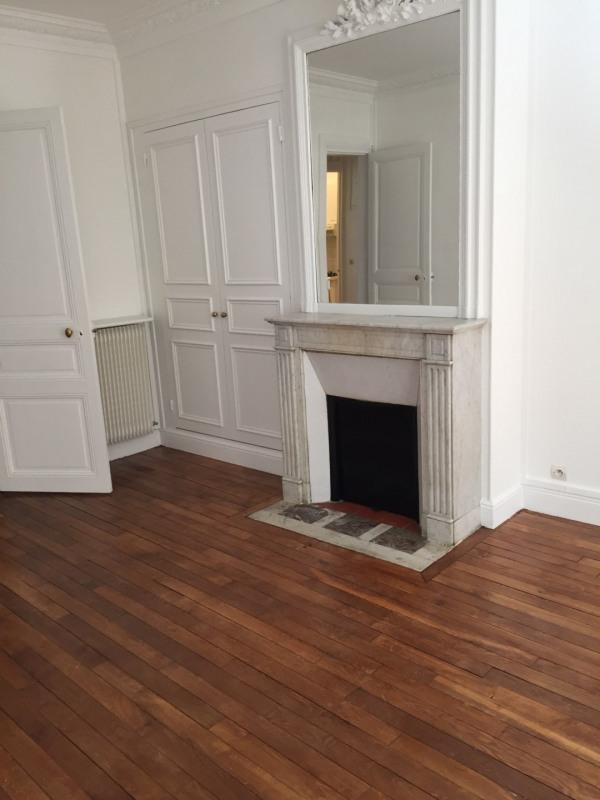 Rental apartment Paris 17ème 3300€ CC - Picture 2