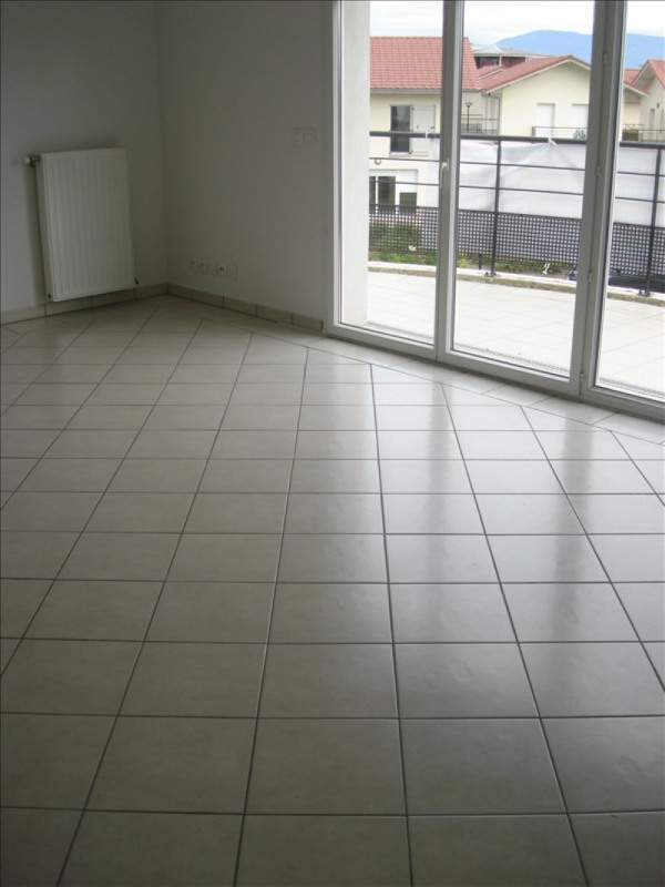 Location appartement Prevessin-moens 875€ CC - Photo 8