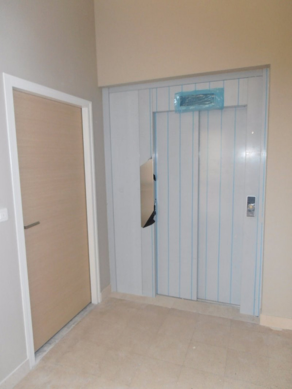 Sale empty room/storage Perigueux 137 000€ - Picture 2