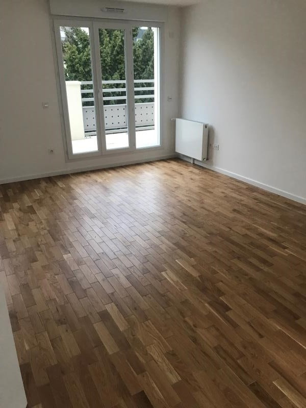 Rental apartment Neuilly plaisance 1 250€ CC - Picture 2