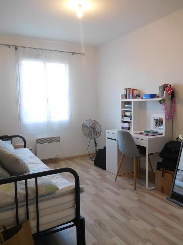 Location maison / villa St andre de cubzac 795€ CC - Photo 7