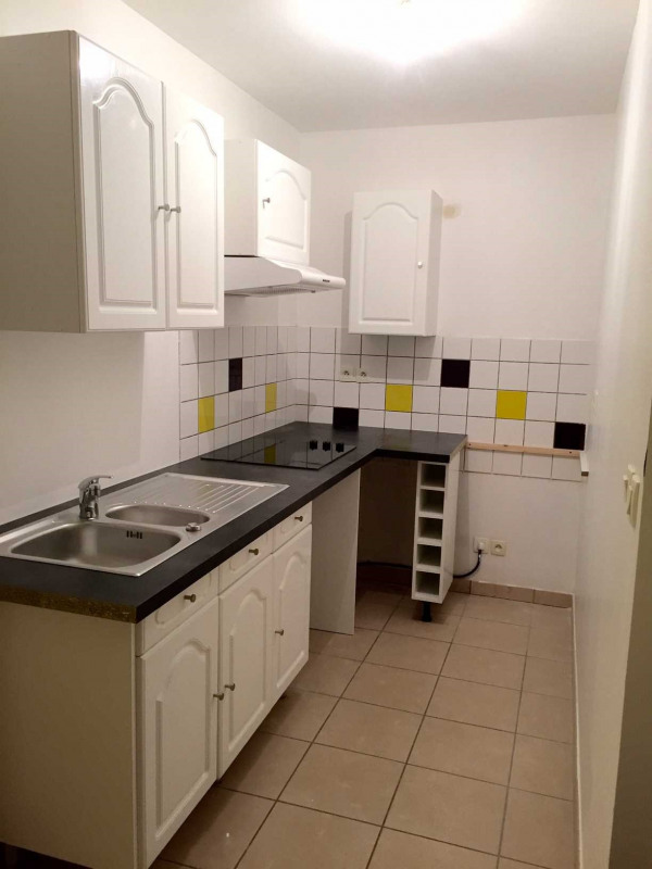 Rental apartment Roche-la-moliere 558€ CC - Picture 3