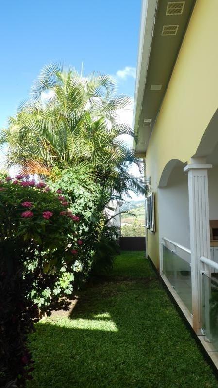 Sale house / villa St louis 335000€ - Picture 8