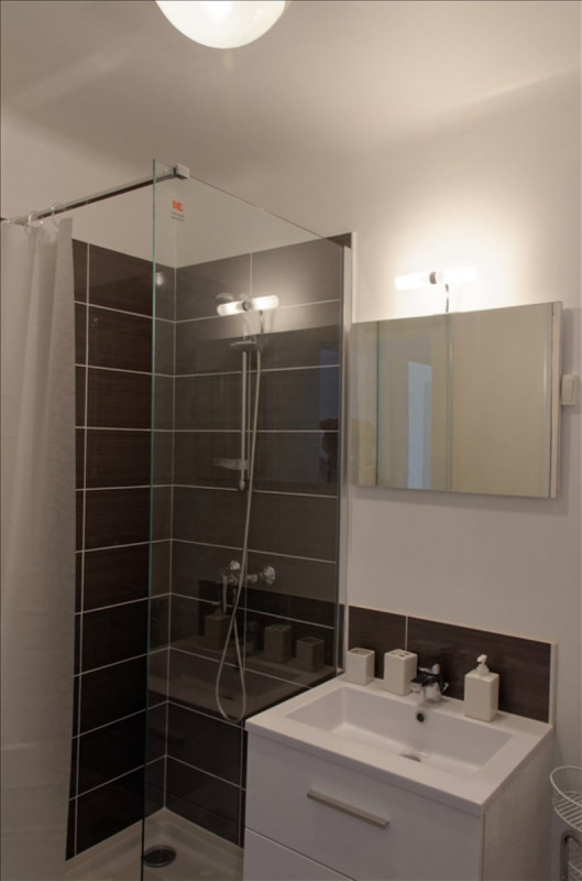 Location appartement Aix en provence 830€ CC - Photo 5