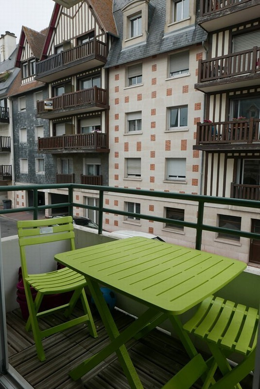 Sale apartment Deauville 424 000€ - Picture 2