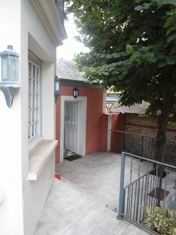 Revenda residencial de prestígio casa Deauville 1233500€ - Fotografia 2