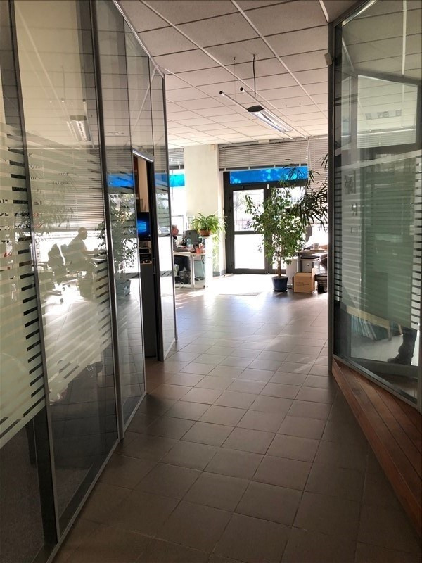 Location local commercial Strasbourg 1 690€ HT/HC - Photo 5