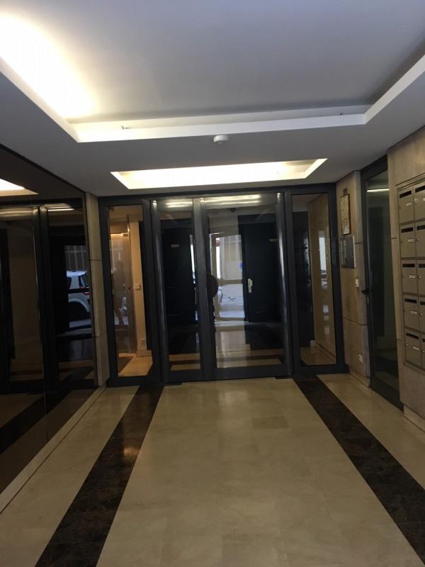 Rental apartment Paris 10ème 1350€ CC - Picture 6