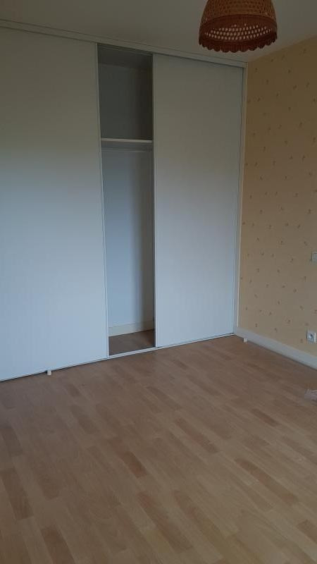 Location maison / villa Louverne 560€ CC - Photo 6