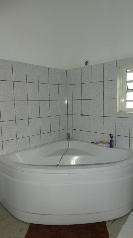 Sale house / villa La riviere 195000€ - Picture 5