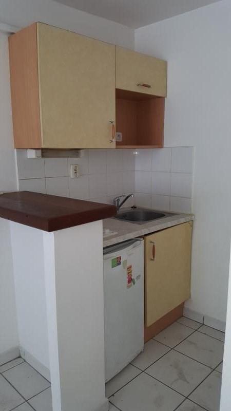 Location appartement St denis 359€ CC - Photo 4