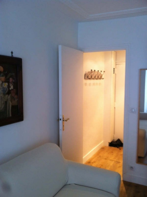 Rental apartment Paris 7ème 1 150€ CC - Picture 2