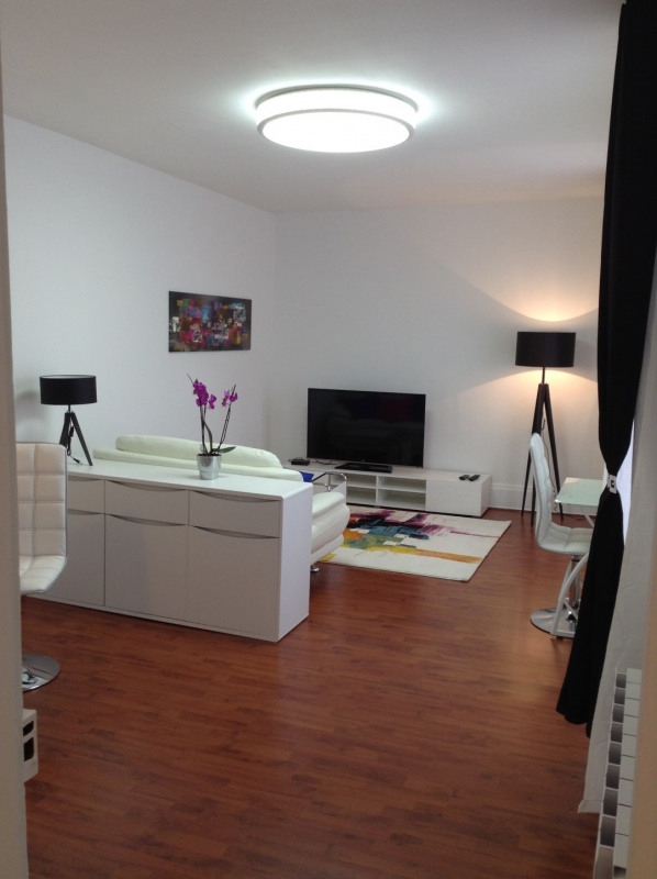 Rental apartment Fontainebleau 1 150€ CC - Picture 1