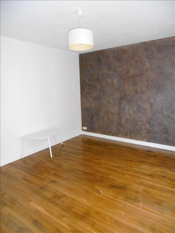 Rental apartment Levallois 1350€ CC - Picture 2