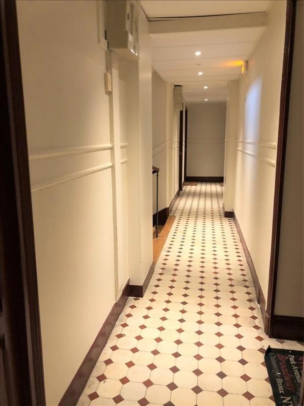 Rental apartment Paris 18ème 750€ CC - Picture 1
