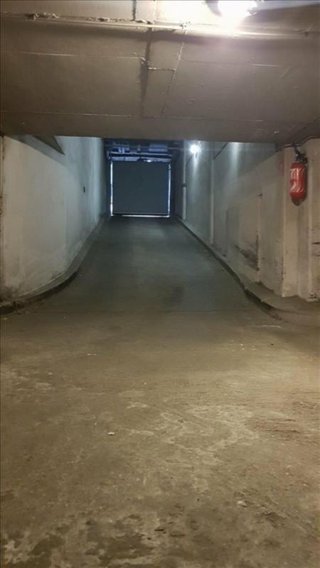Rental parking spaces Paris 17ème 175€ CC - Picture 2