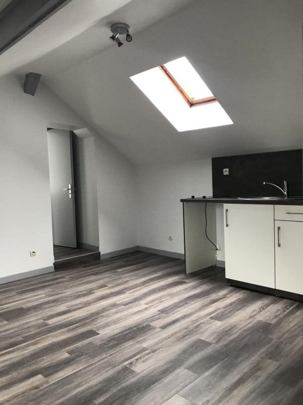 Rental apartment Villejuif 690€ CC - Picture 1