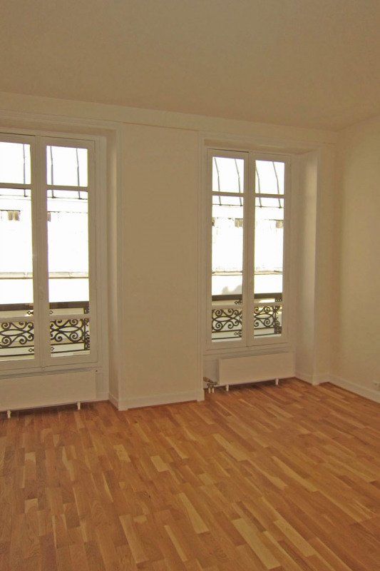 Location appartement Paris 9ème 3264€ CC - Photo 9