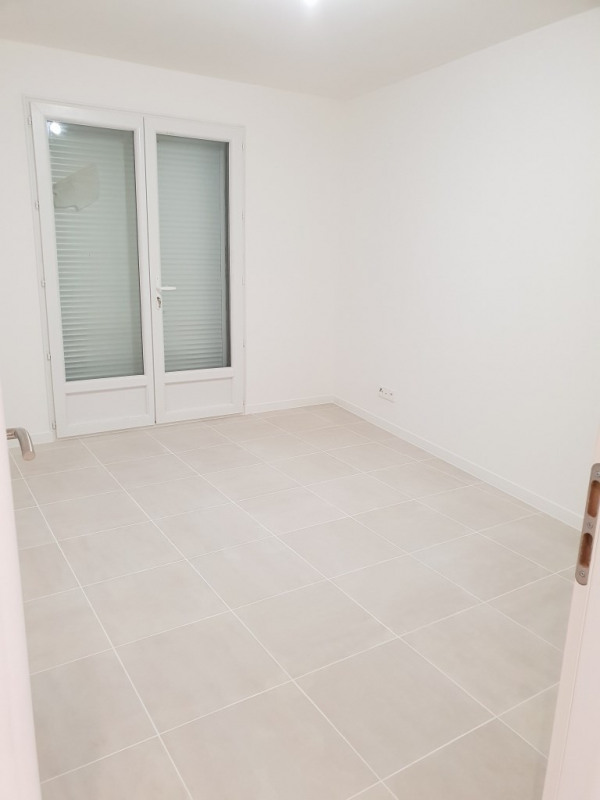 Location maison / villa Rians 1 090€ CC - Photo 5