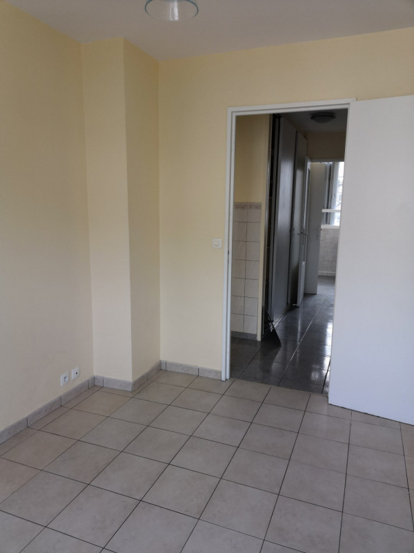 Location appartement Le plessis-robinson 1 100€ CC - Photo 5